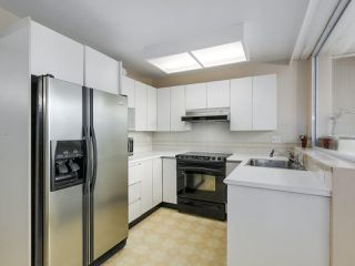 "Photo 10: 302 5425 YEW Street in Vancouver: Kerrisdale Condo for sale in ""The Belmont"" (Vancouver West)  : MLS®# R2337022"