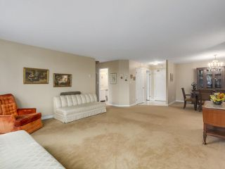 "Photo 5: 302 5425 YEW Street in Vancouver: Kerrisdale Condo for sale in ""The Belmont"" (Vancouver West)  : MLS®# R2337022"