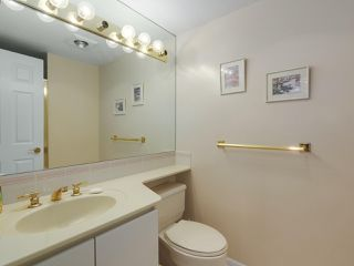 "Photo 13: 302 5425 YEW Street in Vancouver: Kerrisdale Condo for sale in ""The Belmont"" (Vancouver West)  : MLS®# R2337022"