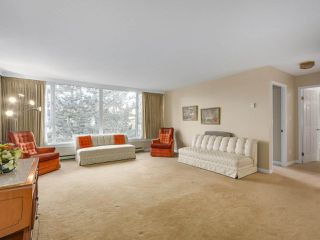 "Photo 2: 302 5425 YEW Street in Vancouver: Kerrisdale Condo for sale in ""The Belmont"" (Vancouver West)  : MLS®# R2337022"