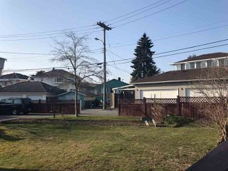 Photo 2: 1891 E 56TH Avenue in Vancouver: Fraserview VE House for sale (Vancouver East)  : MLS®# R2345196