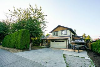 "Photo 2: 5215 4TH Avenue in Delta: Pebble Hill House for sale in ""Pebble Hill"" (Tsawwassen)  : MLS®# R2362224"