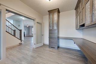 Photo 4: 2114 90A Street in Edmonton: Zone 53 House for sale : MLS®# E4155836