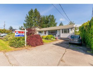 "Photo 2: 15623 18 Avenue in Surrey: King George Corridor House for sale in ""Sunnyside"" (South Surrey White Rock)  : MLS®# R2369500"