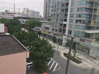 """Photo 9: 504 108 E 14TH Street in North Vancouver: Central Lonsdale Condo for sale in """"PIERMONT"""" : MLS®# R2375184"""