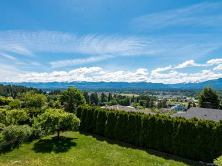 Photo 18: 561 Washington Cres in COURTENAY: CV Courtenay East House for sale (Comox Valley)  : MLS®# 816449