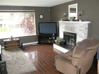 Photo 3: 65933 PARK Avenue in Hope: Hope Kawkawa Lake House for sale : MLS®# R2377604