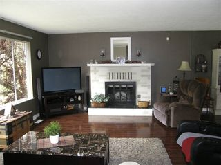 Photo 2: 65933 PARK Avenue in Hope: Hope Kawkawa Lake House for sale : MLS®# R2377604