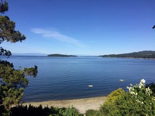 Main Photo: 5243 SUNSHINE COAST Highway in Sechelt: Sechelt District House for sale (Sunshine Coast)  : MLS®# R2379034