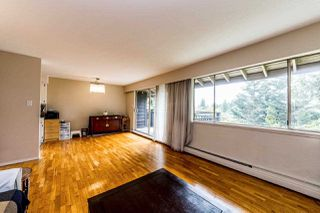 """Photo 3: 414 555 W 28TH Street in North Vancouver: Upper Lonsdale Condo for sale in """"Cedarbrooke Gardens Village"""" : MLS®# R2381605"""