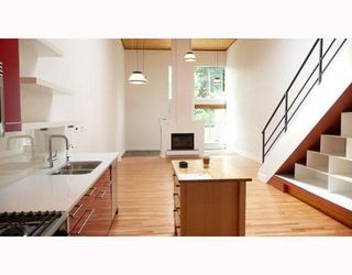 Photo 1: 3 1227 7TH Ave in Vancouver East: Home for sale : MLS®# V708004