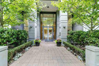 Photo 2: 1705 6888 ALDERBRIDGE Way in Richmond: Brighouse Condo for sale : MLS®# R2383638