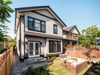 Photo 17: 1270 E 16TH Avenue in Vancouver: Knight House 1/2 Duplex for sale (Vancouver East)  : MLS®# R2387143