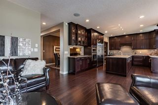 Main Photo: 6508 MANN Lane in Edmonton: Zone 14 House for sale : MLS®# E4168531