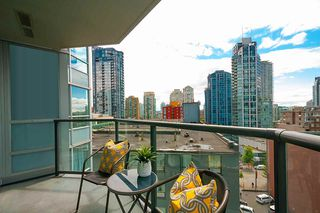 Photo 6: 909 1212 HOWE STREET in Vancouver: Downtown VW Condo for sale (Vancouver West)  : MLS®# R2387043