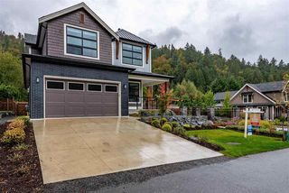 """Photo 2: 28 1885 COLUMBIA VALLEY Road in Cultus Lake: Lindell Beach House for sale in """"Aquadel Crossing"""" : MLS®# R2408812"""