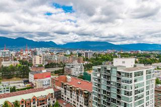 """Photo 10: 1801 1128 QUEBEC Street in Vancouver: Downtown VE Condo for sale in """"THE NATIONAL"""" (Vancouver East)  : MLS®# R2484422"""