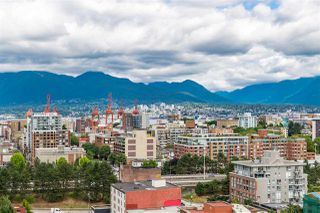 """Photo 4: 1801 1128 QUEBEC Street in Vancouver: Downtown VE Condo for sale in """"THE NATIONAL"""" (Vancouver East)  : MLS®# R2484422"""