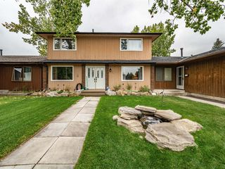 Main Photo: 184 MIDRIDGE Close SE in Calgary: Midnapore Row/Townhouse for sale : MLS®# A1033758