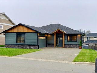 Photo 1: 256 Michigan Dr in : CR Willow Point House for sale (Campbell River)  : MLS®# 856269