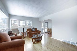 Photo 6: 75 FAIRVIEW Crescent SE in Calgary: Fairview Detached for sale : MLS®# A1057690