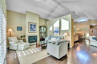 Main Photo: 15511 THRIFT Avenue: White Rock 1/2 Duplex for sale (South Surrey White Rock)  : MLS®# R2526609