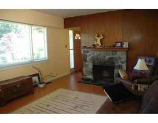 Photo 3: 1967 PANORAMA DR: House for sale (Canada)  : MLS®# V595602