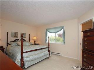 Photo 10: 1028 Adeline Pl in VICTORIA: SE Broadmead House for sale (Saanich East)  : MLS®# 573085