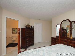 Photo 11: 1028 Adeline Pl in VICTORIA: SE Broadmead House for sale (Saanich East)  : MLS®# 573085