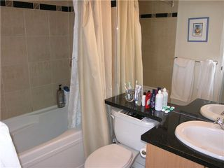 "Photo 4: 2107 193 AQUARIUS ME in Vancouver: Yaletown Condo for sale in ""MARINASIDE RESORT"" (Vancouver West)  : MLS®# V911903"
