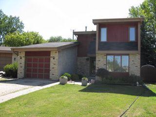 Photo 1: 19 Southborough Key in Winnipeg: Fort Garry / Whyte Ridge / St Norbert Single Family Detached for sale (South Winnipeg)  : MLS®# 1216348