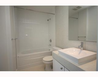 Photo 3: 304 2828 Main Street in Vancouver: Mount Pleasant VE Condo for sale (Vancouver East)  : MLS®# V786369