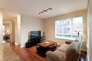 Photo 8: 118 1125 Kensal Place in Coquitlam: New Horizons Townhouse for sale : MLS®# V994728