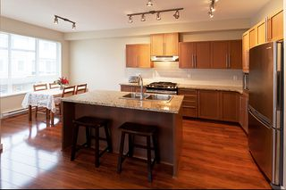 Photo 3: 118 1125 Kensal Place in Coquitlam: New Horizons Townhouse for sale : MLS®# V994728