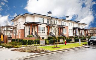 Photo 1: 118 1125 Kensal Place in Coquitlam: New Horizons Townhouse for sale : MLS®# V994728