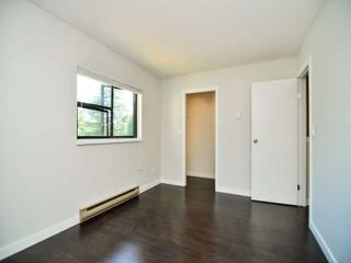 Photo 9: 887 CUNNINGHAM LN in Port Moody: North Shore Pt Moody Condo for sale : MLS®# V1021537