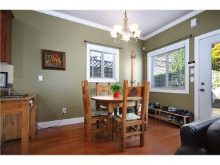 Photo 14: 322 E 4TH Street in North Vancouver: Lower Lonsdale House 1/2 Duplex for sale : MLS®# V1029955