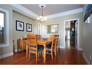 Photo 5: 322 E 4TH Street in North Vancouver: Lower Lonsdale House 1/2 Duplex for sale : MLS®# V1029955
