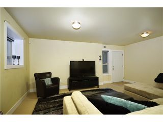 Photo 13: 322 E 4TH Street in North Vancouver: Lower Lonsdale House 1/2 Duplex for sale : MLS®# V1029955