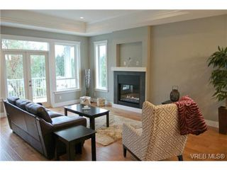 Photo 7: 3654 Coleman Place in VICTORIA: Co Latoria Single Family Detached for sale (Colwood)  : MLS®# 330231