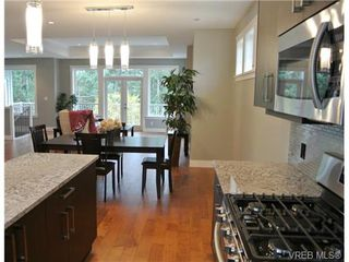 Photo 4: 3654 Coleman Place in VICTORIA: Co Latoria Single Family Detached for sale (Colwood)  : MLS®# 330231