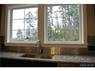 Photo 15: 3654 Coleman Place in VICTORIA: Co Latoria Single Family Detached for sale (Colwood)  : MLS®# 330231
