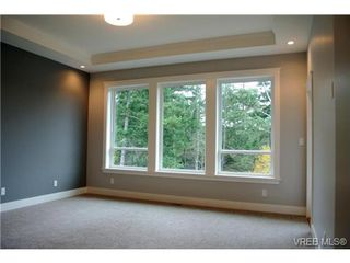 Photo 11: 3654 Coleman Place in VICTORIA: Co Latoria Single Family Detached for sale (Colwood)  : MLS®# 330231
