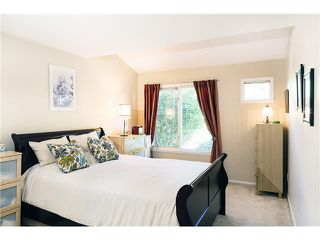 "Photo 5: 106 1513 BOWSER Avenue in North Vancouver: Norgate Condo for sale in ""ILLAHEE"" : MLS®# V1088315"