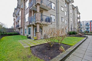 "Photo 2: 204 20286 53A Avenue in Langley: Langley City Condo for sale in ""Casa Verona"" : MLS®# F1428977"