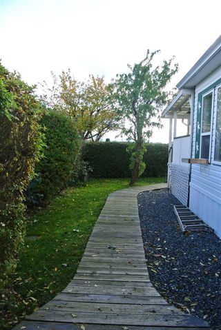 "Photo 14: 82 41168 LOUGHEED Highway in Mission: Dewdney Deroche Manufactured Home for sale in ""Oasis Country Estates"" : MLS®# R2014800"