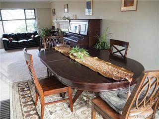 Photo 8: 1829 Fairhurst Avenue in VICTORIA: SE Lambrick Park Single Family Detached for sale (Saanich East)  : MLS®# 359285