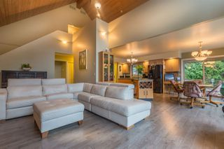 Photo 3: 5667 ANNEX Road in Sechelt: Halfmn Bay Secret Cv Redroofs House for sale (Sunshine Coast)  : MLS®# R2045259