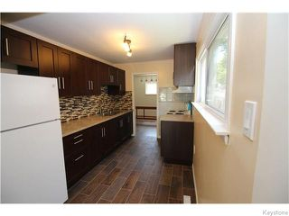 Photo 3: 1262 Logan Avenue in Winnipeg: Brooklands / Weston Residential for sale (West Winnipeg)  : MLS®# 1617354