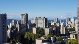 """Photo 2: 2007 1420 W GEORGIA Street in Vancouver: West End VW Condo for sale in """"THE GEORGE"""" (Vancouver West)  : MLS®# R2110131"""